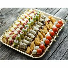 Appetizer Recipes, Appetizers, Birthday Snacks, Jacque Pepin, Mothers Day Brunch, Brunch Party, Food Platters, Fabulous Foods, Sushi