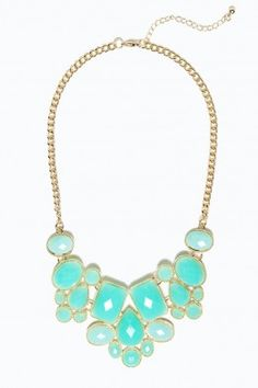 Melly Necklace in Mint