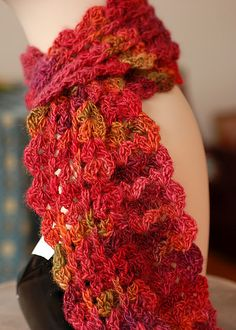 Urban Shells Crochet Scarf: free pattern
