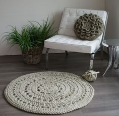 Crochet Home, Knit Crochet, Crochet Clothes, Home Accessories, Little Girls, Ottoman, Ikea, Projects To Try, New Homes