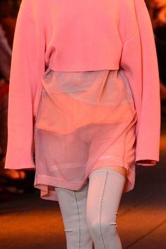 DKNY at New York Fashion Week Spring 2017 - Details Runway Photos