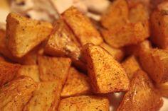 Patate al forno con aggiunta di curcuma.
