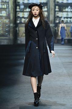 Seoul Fashion Week Beckons Kpop Fashionistas   Koogle TV