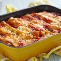 Welcome to my frugal family meals: minced pork cannelloni recipe. So just because this month is all about the budget family meals doesn't mean that you have to… Slow Cooker Recipes, Crockpot Recipes, Cooking Recipes, Penne Recipes, Beef Cannelloni Recipes, Mexican Food Recipes, Italian Recipes, Beef Enchiladas, Cheese Enchiladas