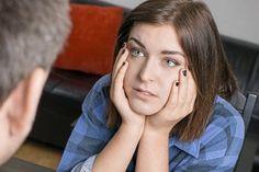 Vi får ikke talt ud med vores forældre Mange konfronterer ikke deres forældre med dårlige oplevelser fra barndommen. Tag det op, hvis det præger jeres forhold i dag, siger eksperter