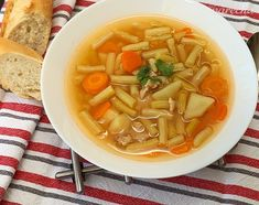 Chutná polievka z fazuľových strukov - recept   Varecha.sk Soup, Ethnic Recipes, Soups