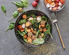 Mogyivajas saliöntet Sprouts, Vegetables, Food, Essen, Vegetable Recipes, Meals, Yemek, Veggies, Eten