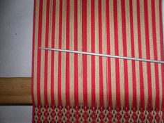 PASO A PASO N° 11 CON URDIMBRE DE PEINECILLO   reflejos aborígenes Textile Tapestry, Inkle Loom, Eyeliner, Weaving, Textiles, Blog, Home Decor, Videos, Farmhouse Rugs