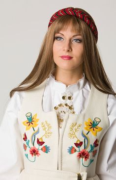 gudbrandsdalsbunad dame - Google Search Folk Costume, Costumes, Running Belt, Evolution T Shirt, Fitness Gifts, Free Day, Bridal Crown, Sport Socks, Unusual Gifts
