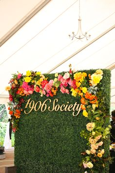 Colorful Flower Wall Rental by Colonial House of Flowers | Photo by @foldsphotograph | Savannah Georgia
