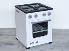 Upcycle IKEA HEKTAR boxes into a play stove