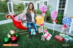 These looks like so much FUN!   Giant Lollipop Holiday Lawn Decoration - DIY