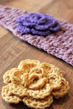 several cute free crochet flower patterns