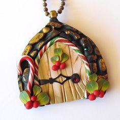 Holiday Elf Door Necklace Polymer Clay Elf Door Fairy par Claybykim