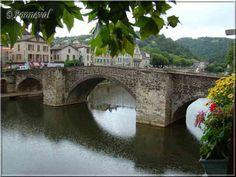 Villefranche-de-Rouergue Aveyron le Pont des Consuls 14ème siècle