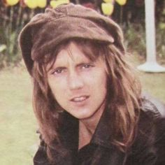 Roger Taylor of Queen I Am A Queen, Save The Queen, Queen Queen, Queen Drummer, Drummer Boy, Queen Meme, Roger Taylor Queen, Queen Aesthetic, Music Aesthetic