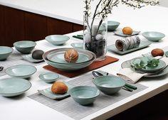 Yido pottery | Cheongyeon collection | design by (ceramic artist) Yi Yoon Shin
