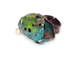 ring. enameled and oxidized copper, pearls. Letitia Pintilie, 2014.
