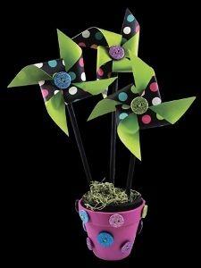 Paper Flower and Button Frame | FaveCrafts.com- Pinwheel centerpiece.