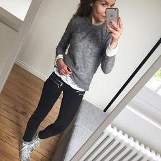 Bonjour !! #ootd#lookoftheday#dailyig#dailyoutfit#igers#iglook#igdaily#instalook#instalook#instafashion#fashionpost#whatimwearingtoday#metoday#mylook pull#hm dentelle#zara pantalon#maje baskets#meline