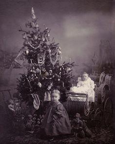 Âme vagabonde - (via A Long-Ago Christmas | Flickr - Photo...