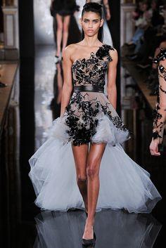 Valentin Yudashkin Fall 2014 Ready-to-Wear Fashion Show