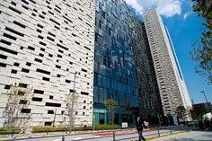 Shinjuku East Side Square (新宿イーストサイドスクエア) / Architect by Mitsubishi Estate (設計:三菱地所設計)