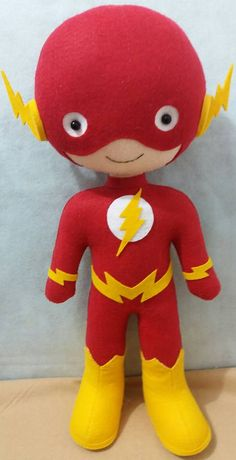 Flash de feltro      Artesã  Miraselma Miranda  Ateliê Mira Flor Dc Superhero Girls Dolls, Superhero Cake, Felt Crafts Patterns, Tin Can Crafts, Fabric Toys, Toddler Dolls, Lol Dolls, Felt Toys, Santa Fe