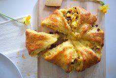 Ei, Kaas, en Tomaat Croissant Brood (blikje deeg)