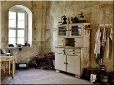 Kredenc - # Loft bútor # antik bútor#ipari stílusú bútor # Akác deszkák # Ágyásszegélyek # Bicikli beállók #Bútorok # Csiszolt akác oszlopok # Díszkutak # Fűrészbakok # Gyalult barkácsáru # Gyalult karók # Gyeprács # Hulladékgyűjtők # Információs tábla # Járólapok # Karámok # Karók # Kérgezett akác oszlopok, cölöpök, rönkök # Kerítések, kerítéselemek, akác # Kerítések, kerítéselemek, akác, rusztikus # Kerítések, kerítéselemek, fenyő # Kerítések, kerítéselemek, fém # Kerítések, kerítéselemek…