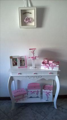 Little Girl Rooms, Little Girls, Princess Paris, Office Space Decor, Laser Cutter Projects, Kit Bebe, Frame Crafts, Diy Box, Storage Organization