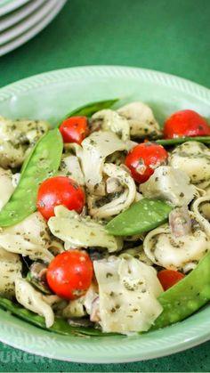 Pesto Tortellini, Tortellini Recipes, Yummy Pasta Recipes, Vegetarian Recipes, Cooking Recipes, Skillet Recipes, Salad Recipes, Dinner Recipes, Healthy Recipes