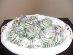 camo cake pops