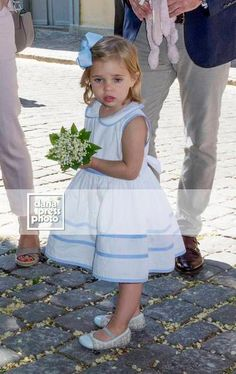 Фотографии Принцесса Мадлен | 76 альбомов Royal Princess, Princess Victoria, Princess Charlotte, Duke And Duchess, Duchess Of Cambridge, Chris O Neil, Swedish Royalty, Royal Babies, Flower Girl Dresses