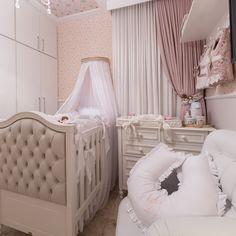 Quarto de bebê pequeno: 70 ideias e dicas para aproveitar o espaço Baby Bedroom, Nursery Room, Nursery Decor, Nursery Design, Bassinet, Cribs, New Baby Products, Kids Room, Toddler Bed