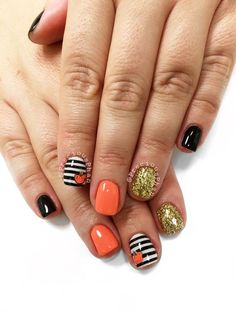 Halloween Nail Design: Pretty Halloween Nail Art Ideas You'll Love - Halloween Nail Design: Pretty Halloween Nail Art Ideas You'll Love - Nail Art Halloween, Halloween Nail Designs, Holiday Nail Art, Pretty Halloween, Halloween Ideas, Women Halloween, Scary Halloween, How To Do Nails, Fun Nails
