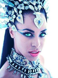 Aaliyah l Akasha Queen of the Damned
