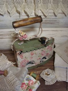 "Утюг ""Барышня-крестьянка"" - утюг,ретро,винтаж,бохо,бохостиль,розы,чугун"
