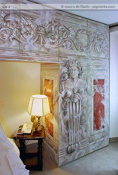 camera con armadi dipinti