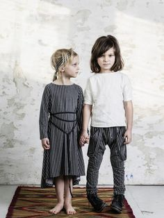 Mouse in a house : une collection oversize et casual Funky Outfits, Unique Outfits, Kids Outfits, Baby Kids Wear, Kids Fashion, Fashion Outfits, Stylish Kids, Cool Kids, Girls Dresses