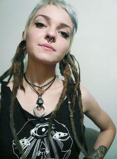 #buzzcut #dreadz Dreadlocks Girl, Fake Dreads, Soft Grunge Hair, Punk Mode, Rocker Girl, Scene Girls, Alternative Girls, Punk Fashion, Sexy Hot Girls