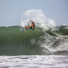 Tamp the waves like @_kianmartin with this Tribong X boardshort to kick off 2018.  #LifesBetterInBoardshorts #shorts #boardshorts #surfing #surf #beachwear #menswear #clothing #billabong #boardies #surfshorts #surfwear #billabongsurf #surfinglife