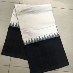 Buy IKCOT9900020-VARNAM handwoven ikat cotton-offwhite black beauty, 700g online - Handwoven Kanchivarams,Soft Silks, Silk Cottons and Tussars!