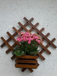 Top 10 Easy Woodworking Projects to Make and Sell Very Beautiful Diy Wooden Pallets Shelf Fresh Idea. Wooden Pallet Shelves, Wooden Diy, Wooden Pallets, House Plants Decor, Plant Decor, Craft Stick Crafts, Wood Crafts, Small Wood Projects, Pallets Garden