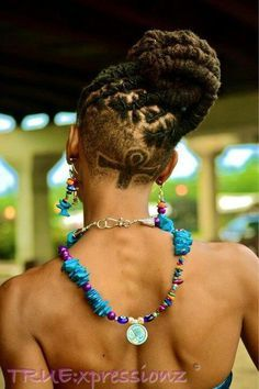Ways To Style Your Dreadlocks - Art Becomes You Shaved Side Hairstyles, Dreadlock Hairstyles, African Hairstyles, Braided Hairstyles, Hairdos, Updos, Natural Dreads, Dreadlock Styles, Locs Styles