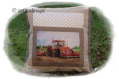 Trecker - Traktor-Kissen SCHLÜTER mit Versteck von Antjes Design auf DaWanda.com