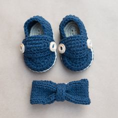 Boys Knit BowTie and Crochet Booties Gift Set//Newborn gift knitted crochet-boys knit necktie-boy-s crochet booties-knit baby bow tie on Etsy, $35.00