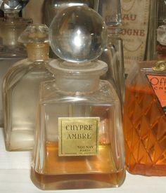 """flacon de parfum ancien Volnay""""Chypre Ambré"""" cristal """"taillé"""" 9,8cm rare"""
