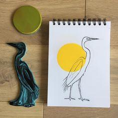 Héron à ma façon ... . . . . . #héron #bird #wildlife #printing #linocut #gravure #linogravure #rubberstamp #stamping #tampon