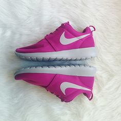 Nike Roshe Run Pink No Trades Size 8 Women's Brand New Price Negotiable Victoria's Secret VS Pink apple Samsung Galaxy iPhone Lululemon Adidas Birkenstock free people, forever21 case macbook free run converse juvanate Nike Shoes Sneakers